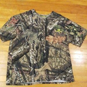 🦌 3 for $30, NWOT camo shirt